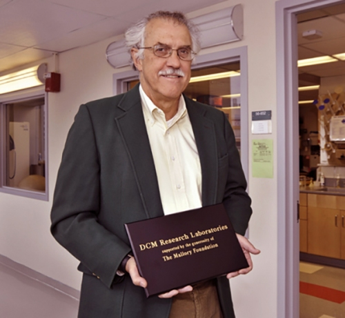 Dr. Fox with the Mallory Award, 2009.